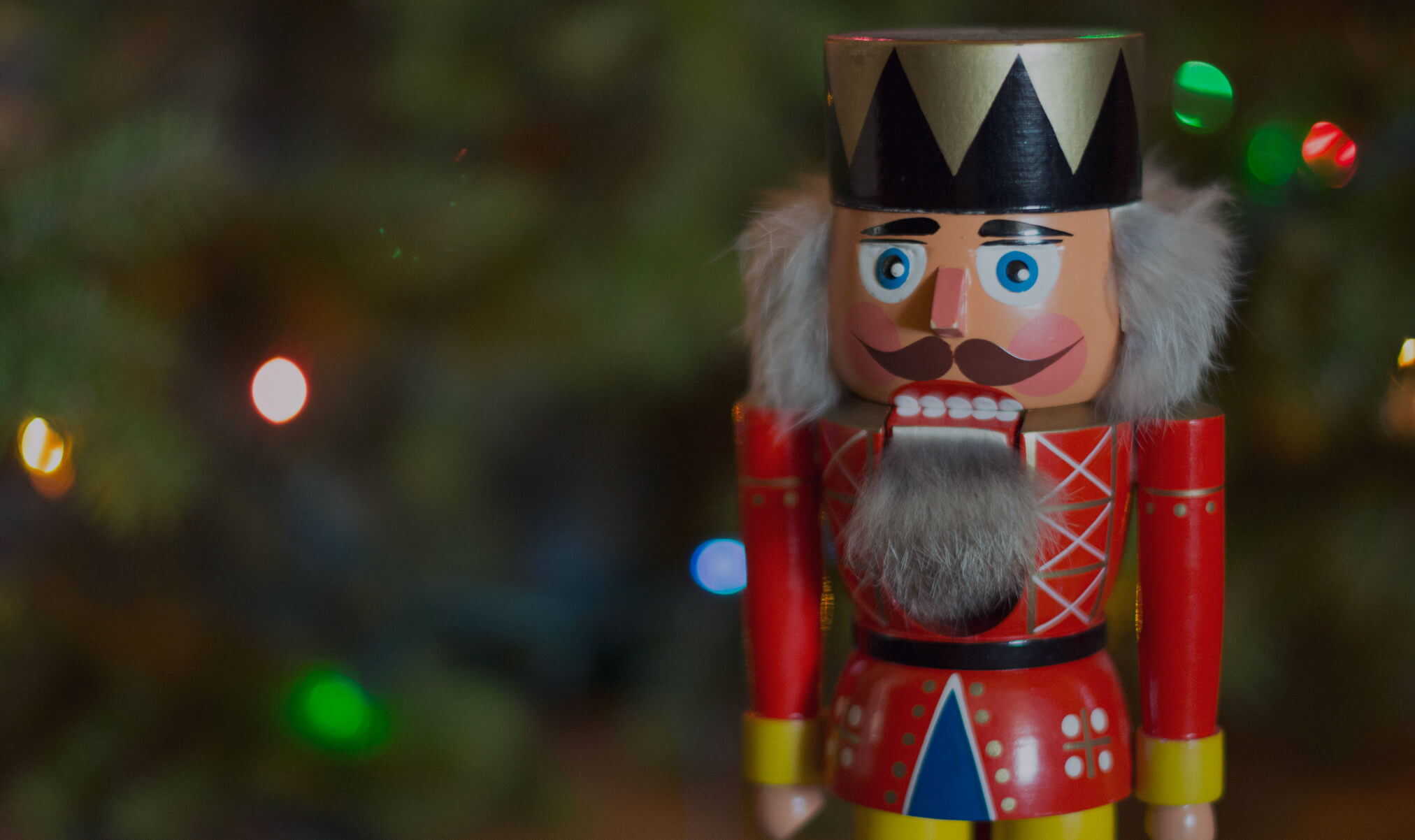 MomClone-Holiday-traditions-Nutcracker