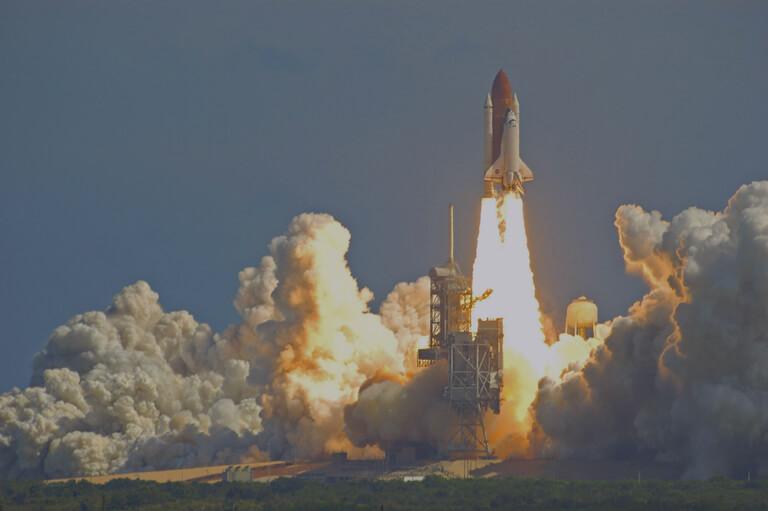MomClone-Rocket-Launch