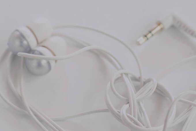 momclone life hacks you can use headphones