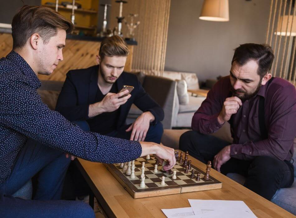 increase-employee-engagment-play-chess
